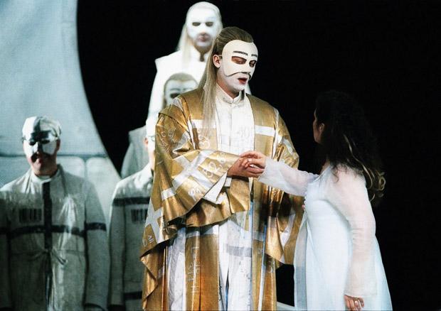 Čarovná flauta, Viedenská štátna opera, (2009), Štefan Kocán (Sarastro), foto: Axel Zeining