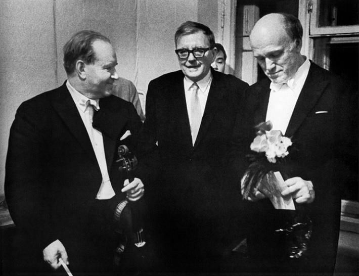 D. Ojstrach, D. Šostakovič a S. Richter, zo zbierky Tully Potter Collection