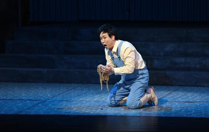 Šperky Madony, Opera SND, (2015), Kyungho Kim (Gennaro), foto: Jozef Barinka