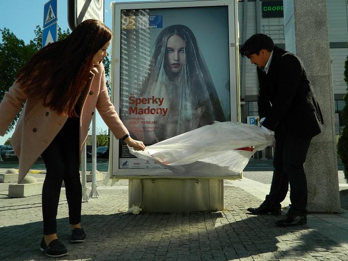 Odhalenie oficiálneho vizuálu k pripravovanej premiére opery Šperky Madony, Andrea Vizváry a Daniel Čapkovič, foto: Natalie Dongová