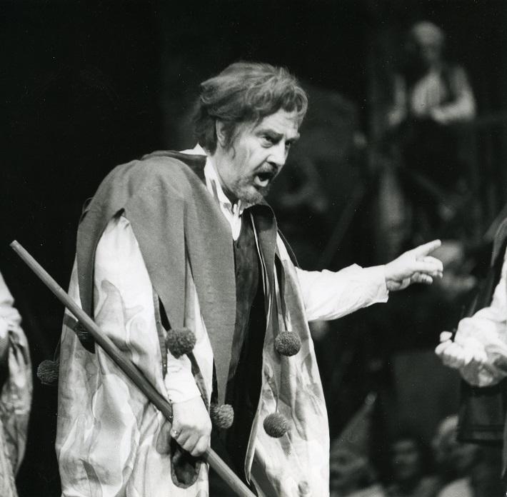 Rigoletto, Opera SND, (1987), Pavol Mauréry (Rigoletto), foto: Jozef Vavro, archív SND