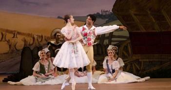 d19f12a3b Rodinný balet Zle strážené dievča naživo z Royal Opera House v kinách  CINEMAX