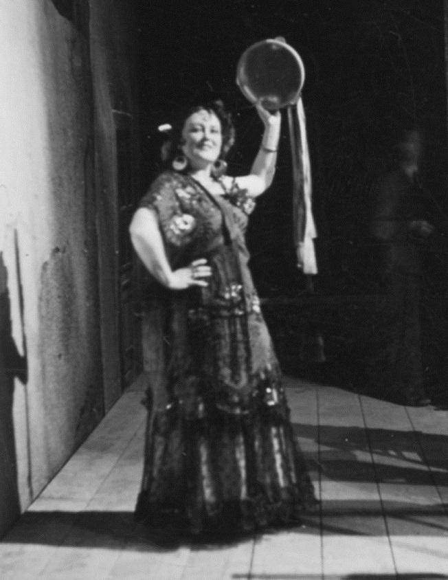 G. Bizet: Carmen, Opera SND, 1941, Jelizaveta Evertová  (Carmen), foto: Archív SND