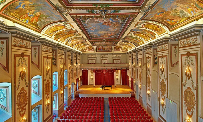 Haydnova sála Esterházyho paláca v Eisenstadte