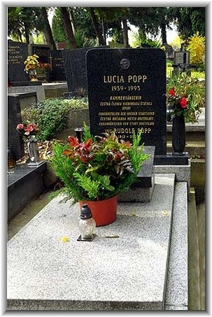 Hrob Lucie Popp v bratislavskom Slávičom údolí, foto: Peter Malaschitz