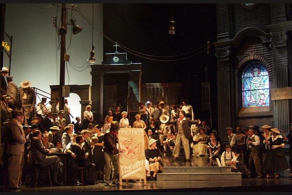 Komedianti, Opera SND, K. Andreev (Canio), foto: SND
