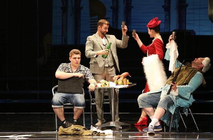 Kráľ Teodor v Benátkach, Operné štúdio SND, B. Prýgl,M. (Teodoro), Cs. Kotlár (Acmet), A. Nemcová (Belisa), T. Šelc (Taddeo), foto: Jozef Barinka