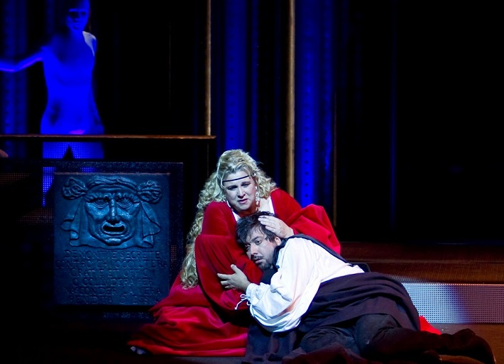 Dvaja Foscariovci, Opera SND, (2010), L. Hudson (Lucrezia Contarini) a B. László (Jacopo Foscari), foto: Joseph Marcinsky