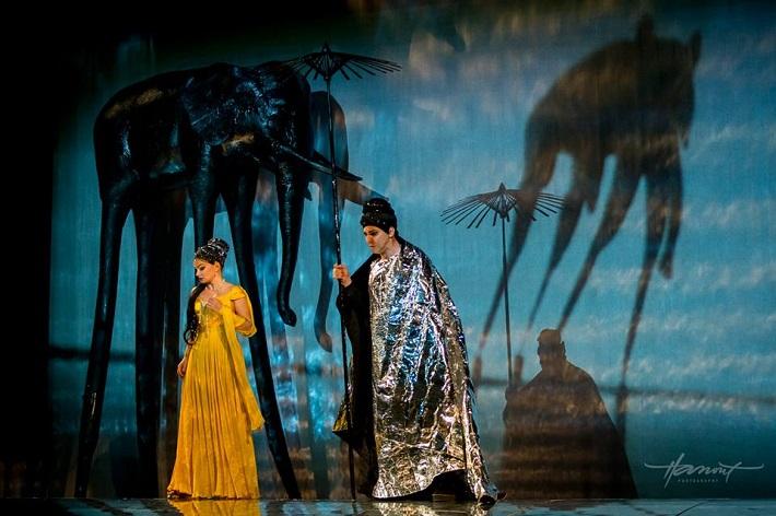 Lovci perál, Štátna opera Banská Bystrica, K. Mackiewicz (Leila), I. Zvarík (Nurabád), foto: Zdenko Hanout