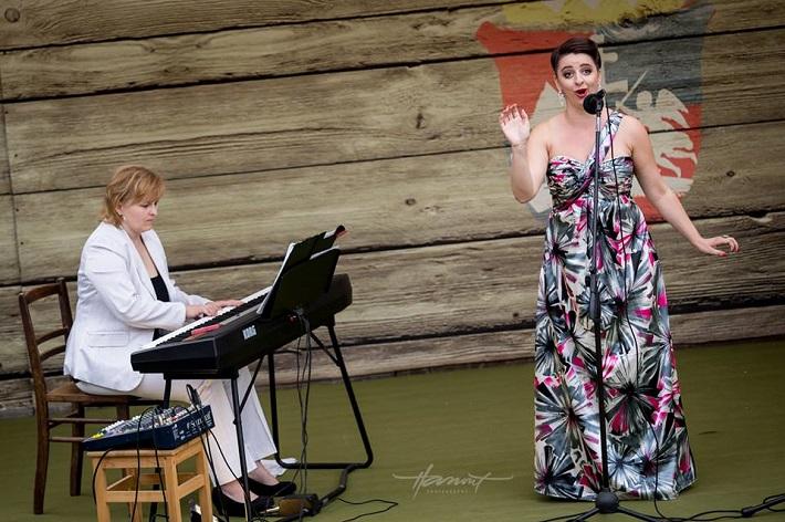 Príďte za operou II. Koncert mladých talentov,  amfiteáter Starý Klíž, Júlia Grejtáková, Katarína Flórová, foto: Zdenko Hanout