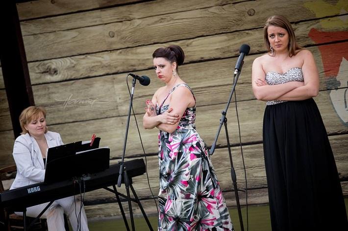 Príďte za operou II. Koncert mladých talentov, amfiteáter Starý Klíž, J. Grejtáková, K. Flórová, Z. Čurmová, foto: Zdenko Hanout