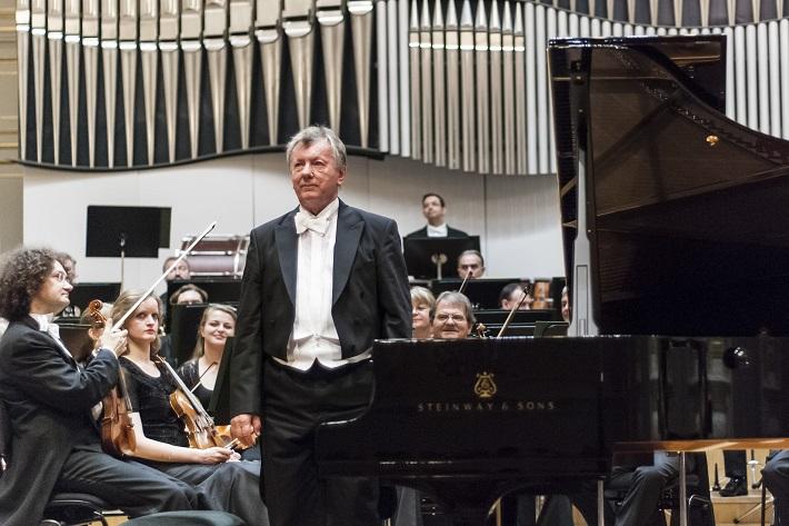 Koncert Slovenskej filharmónie, Marián Lapšanský, foto: Alexander Trizuljak