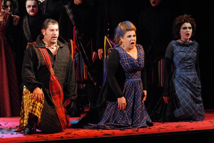 Zámocké hry zvolenské, 2013, G. Verdi: Macbeth, Evez Abdulla, Louise Hudson, foto: Archív ŠOBB
