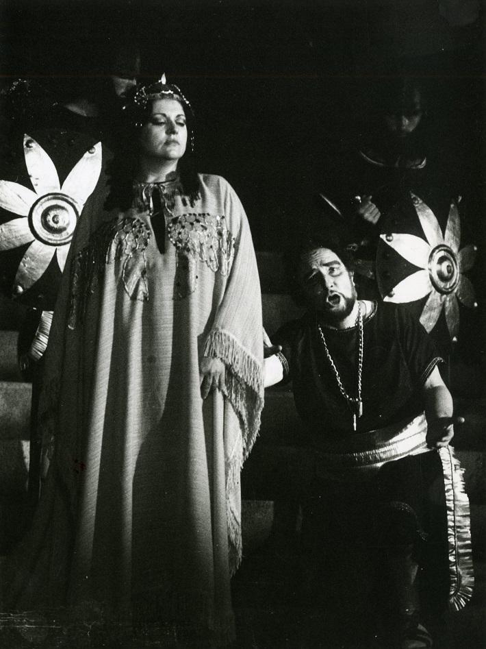 Zámocké hry zvolenské, 1987, Giuseppe Verdi: Nabucco, Lorenza Canepa (Abigail), Franco Bordoni (Nabucco), foto: Pavel Danko, (Archív DÚ)