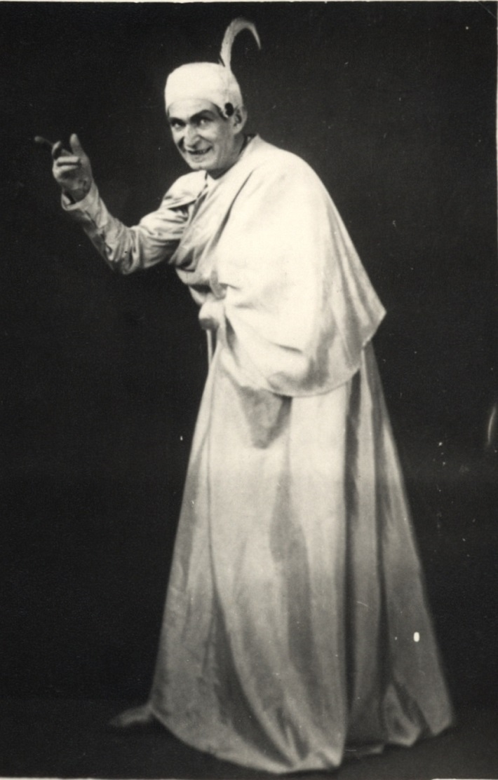 Arnold Flögl, Ch. Gounod, Faust a Margaréta (Mefisto), ND Brno, 1928, foto: Archív DÚ