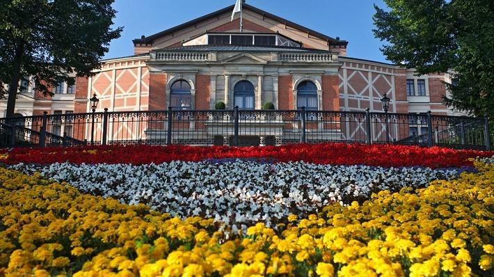 festivalová budova v Bayreuthe