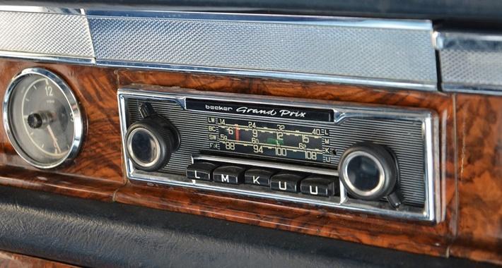 Limuzína Mercedes 600 Marie Callas, rádio, foto: internet