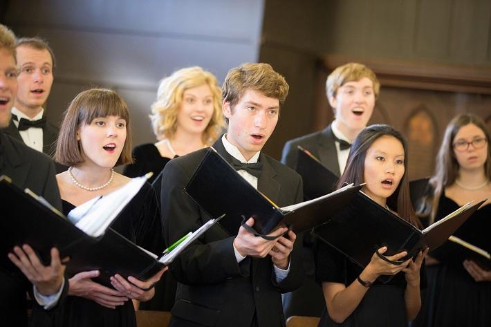 Mladí ľudia sú v zboroch zastúpení najvýraznejšie, ilustračné foto