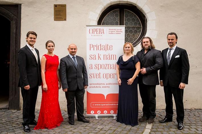 prvá prezentácia novej vizuálnej identity Opera Slovakia na koncerte Operné gala 2015 v Kežmarku, P. Kellner, P. Janečková, Ľ. Vongrej, J. Grejtáková, T. Tóbisz, Š. Kocán foto: Zdenko Hanout