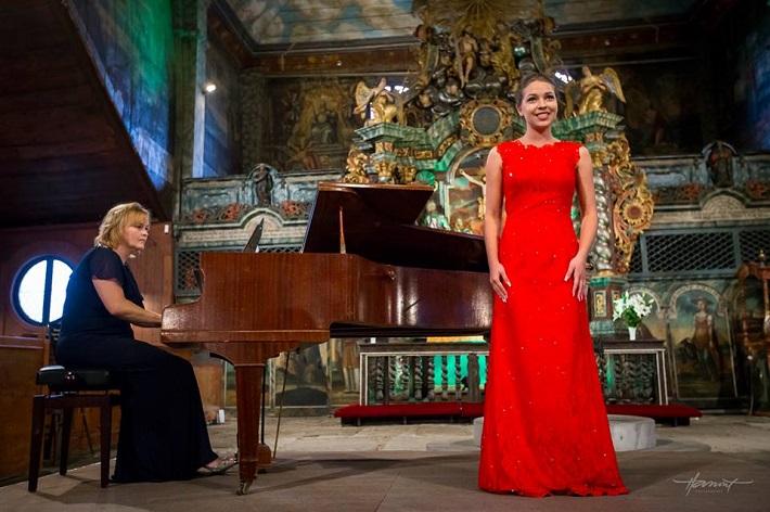 Operný benefičný koncert Operné gala 2015 v Kežmarku, Júlia Grejtáková, Patricia Janečková, foto: Zdenko Hanout