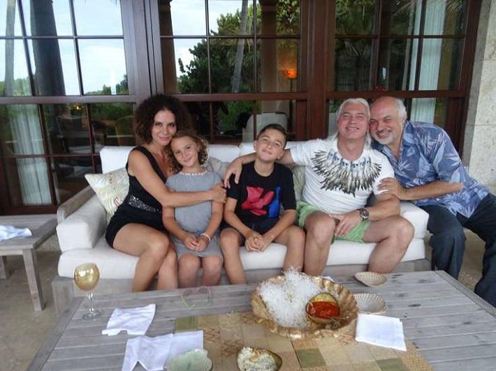 Aktuálna fotografia D. Chvorostovského a jeho rodiny z 28. augusta 2015 z ich pobytu na Floride, foto: Facebook