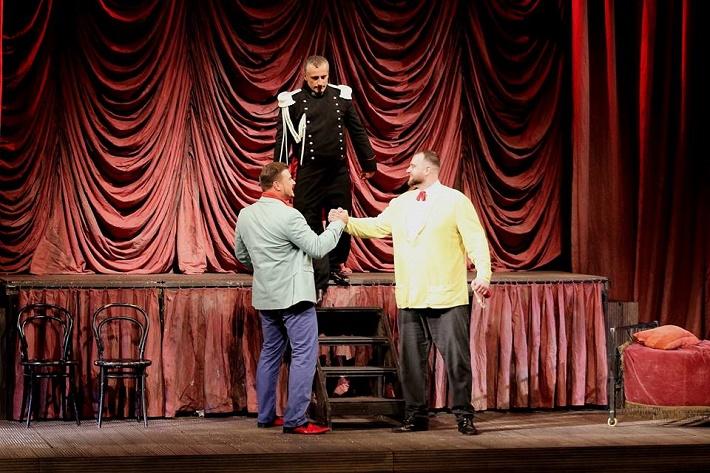 Figaro sem, Figaro tam, Opera SND, M. Gyimesi (Almaviva), M. Vanek (Moderátor), R. Krško (Figaro)