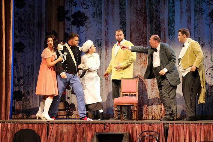 Figaro sem, Figaro tam, Opera SND, Š. Pučálková (Rosina), M. Gyimesi (Almaviva), K. Polakovičová (Berta), R. Krško (Figaro), M. Malachovský (Bartolo), B. Prýgl (Basilio)