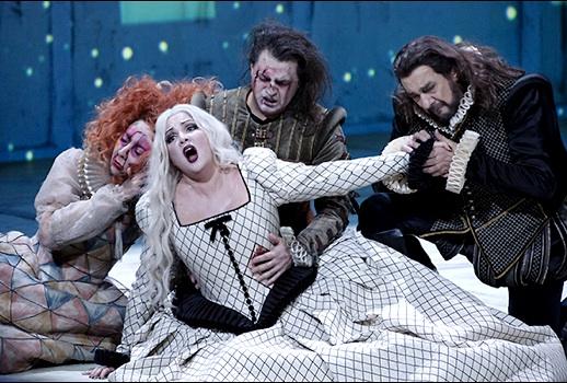 Giuseppe Verdi: Trubadúr, Berlínska štátna opera, 2013, M. Prudenskaya (Azucena), A. Netrebko (Leonora), G. Rivero (Manrico), P. Domingo (Luna), foto: Frank Hoensch