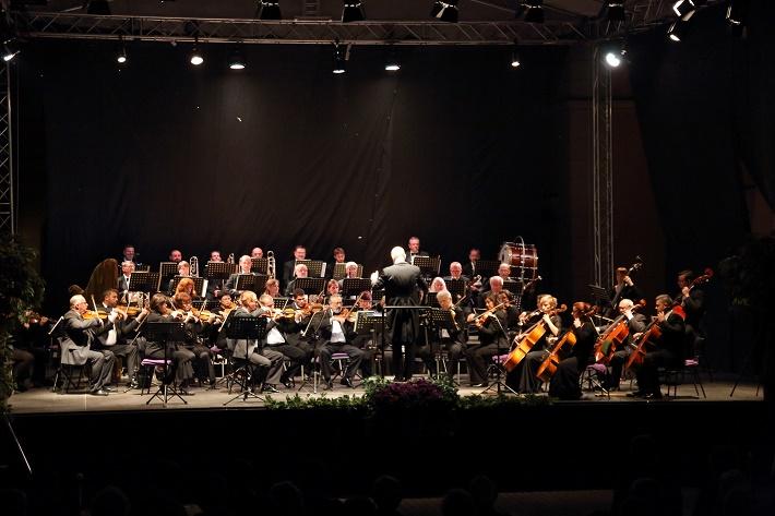 Operalia Banská Bystrica 2015, orchester Štátnej opery v Banskej Bystrici, dirigent Igor Bulla, foto: ŠOBB
