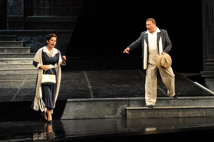 Pietro Mascagni: Sedliacka česť, Opera SND, Jolana Fogašová (Santuzza), Miroslav Dvorský (Turiddu), foto: Alena Klenková
