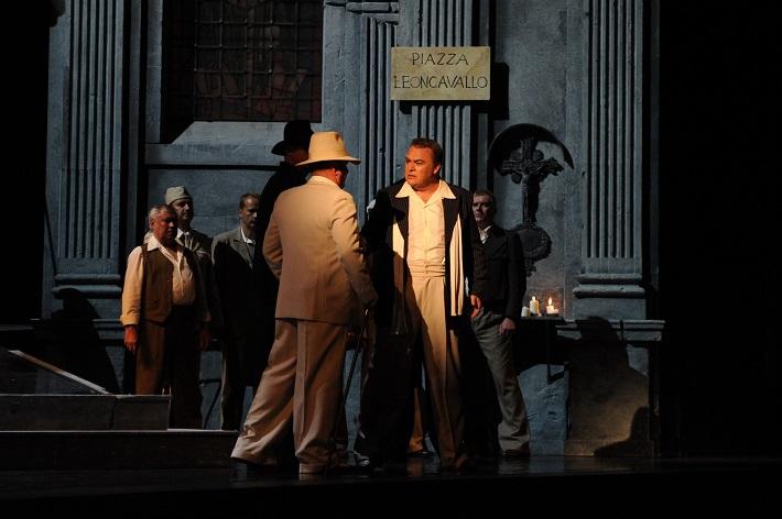 Pietro Mascagni: Sedliacka česť, Opera SND, Sergej Tolstov (Alfio), Miroslav Dvorský (Turiddu), foto: Alena Klenková