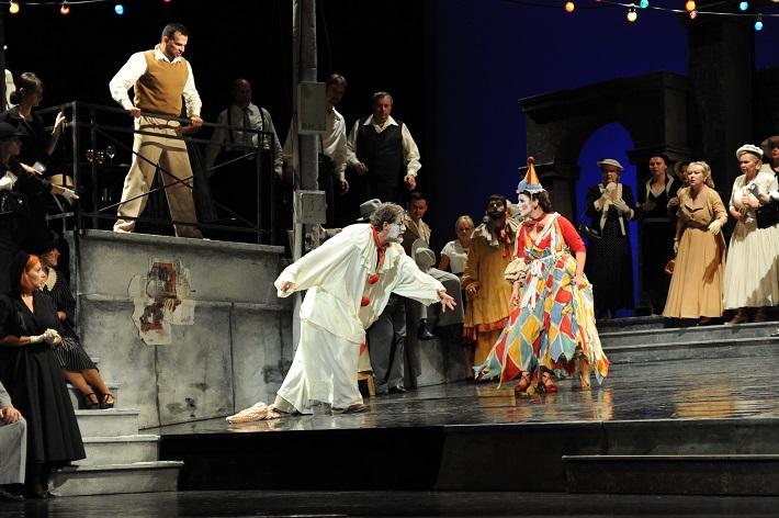 Ruggiero Leoncavallo: Komedianti, Opera SND, Aleš Jenis (Silvio), José Cura (Canio), Katarína Juhásová-Štúrová (Nedda), foto: Alena Klenková