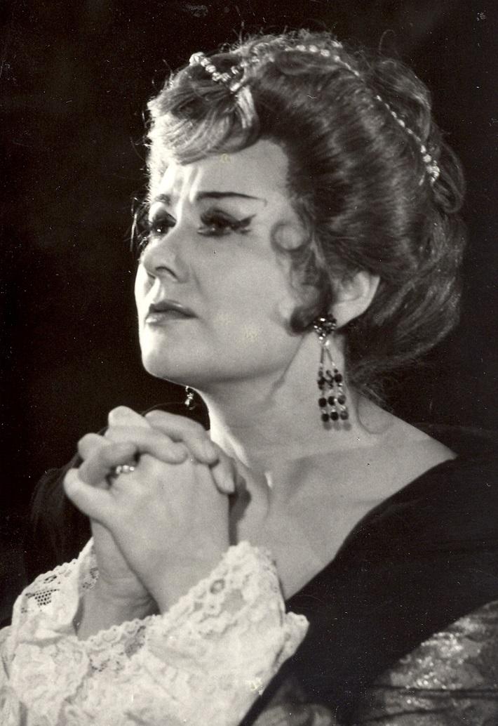 W. A. Mozart: Don Giovanni, banskobystrická opera, (1971), Dagmar Rohová – Boksová (Donna Anna), foto: Archív Štátnej opery BB