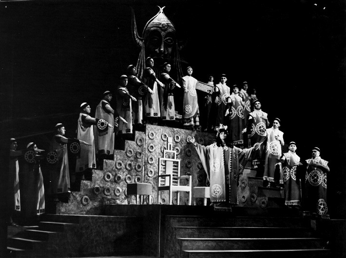 G. Verdi: Nabucco, Štátne divadlo Košice, 1964, Gita Abrahámová (Abigail), foto: Mária Litavská (archív DÚ)