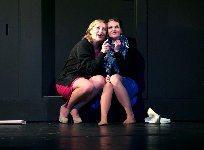 Giuseppe Verdi: Trubadúr, Opera ŠD Košice, 2015, Jana Havranová (Leonora),  Viktória Norko-Marková (Ines), foto: Joseph Marčinský