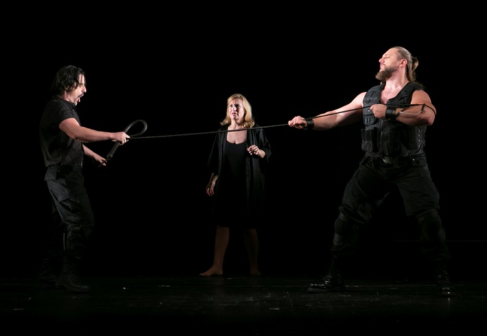 Giuseppe Verdi: Trubadúr, Opera ŠD Košice, 2015, L. Kendi (Gróf Luna), J. Havranová (Leonora), T. Tóbisz (Manrico), foto: Joseph Marčinský