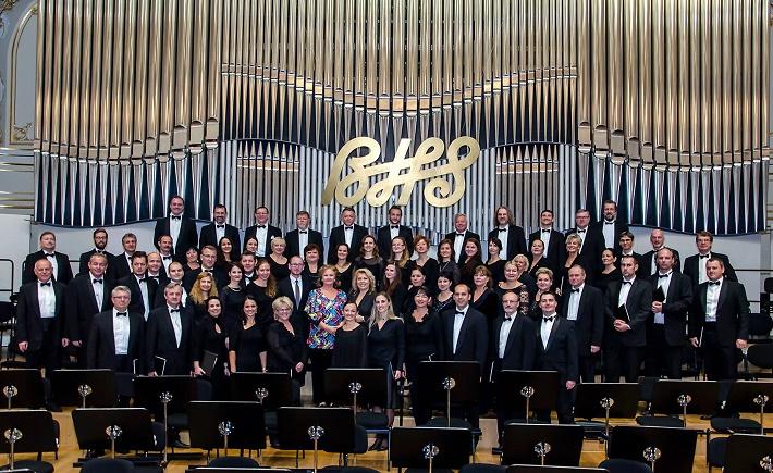 Jubilujúci Slovenský filharmonický zbor po koncerte s Editou Gruberovou na BHS 2014
