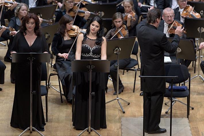 Koncert Slovenskej filharmónie, Adriana Kohútková, Judita Nagyová, Ernst Theis, foto: Ján Lukáš