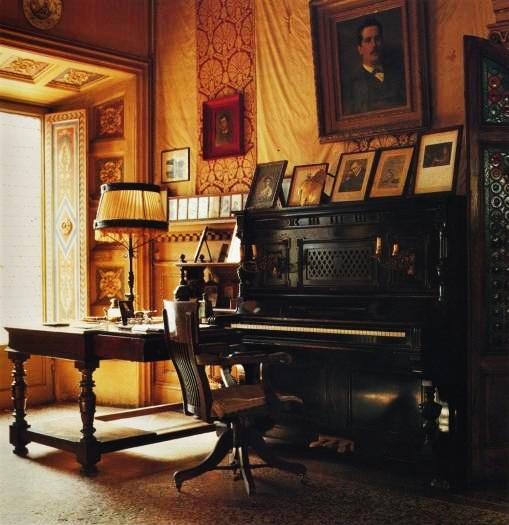 Pucciniho pracovňa v Torre del Lago s originálnym klavírom, na ktorom komponoval svoje opery.