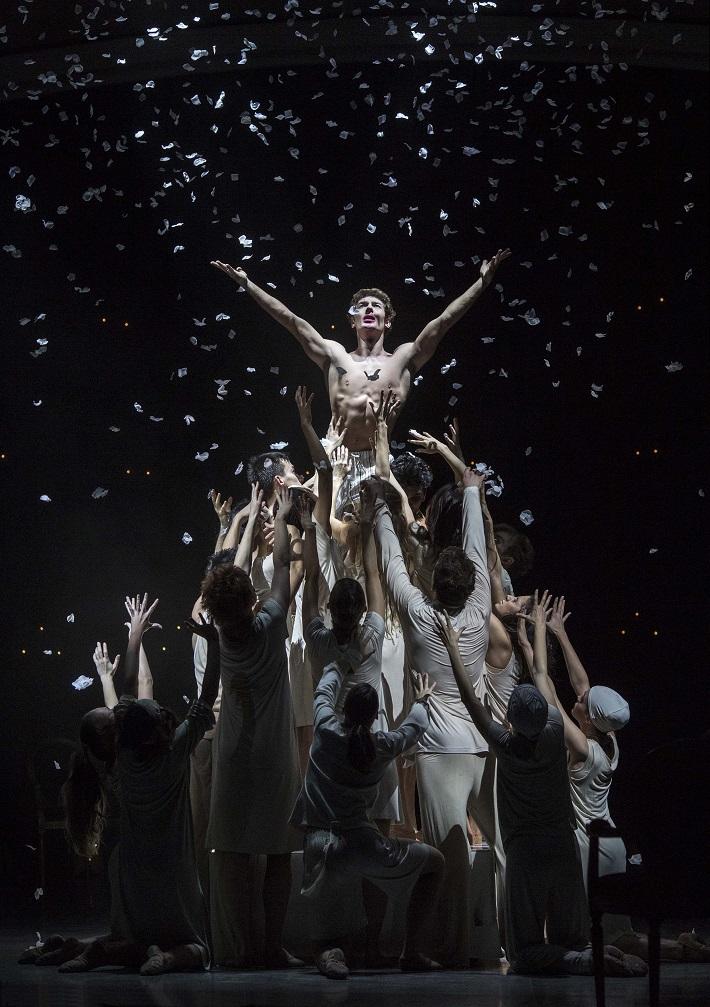C. Davis, D. de Andrade: Nižinskij - Boh tanca, Balet SND, 2015, Artemyj Pyzhov (Nižinskij), foto: Peter Brenkus