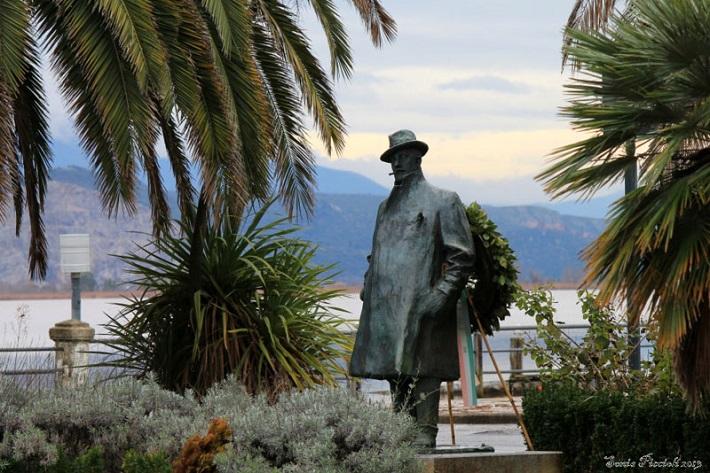 Pucciniho socha v Tore del Lago