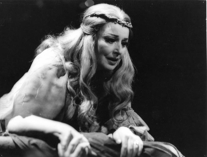 R. Strauss: Elektra, Opera SND, 1980, Anna Starostová (Chrysothemis), foto: Jozef Vavro, Archív SND