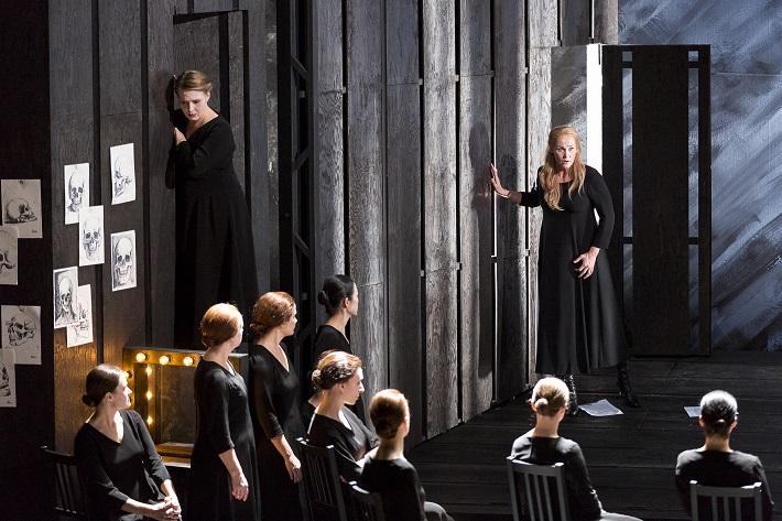 Richard Wagner: Bludný Holanďan, Theater an der Wien, 2015, I. Brimberg (Senta), foto: Werner Kmetitsch