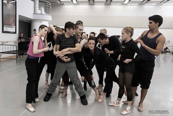 Skúška k pripravovanej premiére Nižinskij - Boh tanca s choreografom Danielom de Andrade, foto: Peter Brenkus