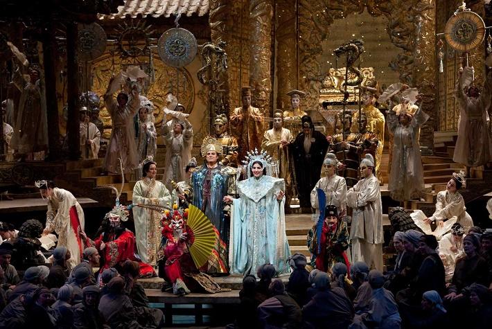 Veľkolepá Alfanova verzia opery Turandot v Metropolitnej opere New York v produkcii Franca Zeffirelliho