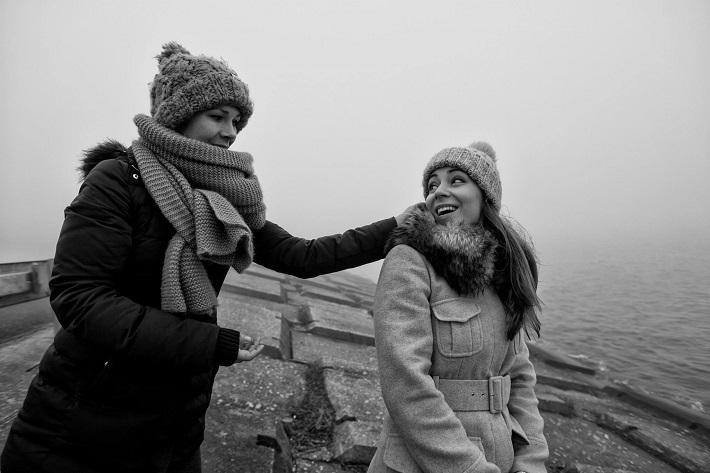 Lucia Halmová a Adriana Kučerová, fotografia z natáčania filmu Under my spell, foto: Igor Paliatka