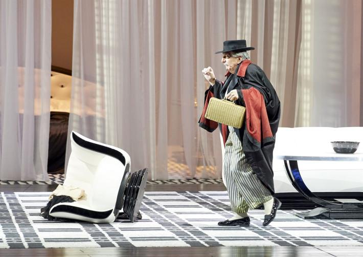 Leoš Janáček: Vec Makropulos, Viedenská štátna opera, 2015, Heinz Zednik (Hauk-Šendorf), foto: Michael Pöhn