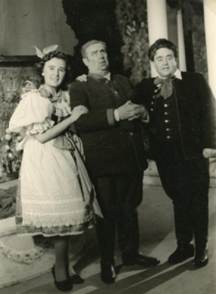 B. Smetana: Dve vdovy, Opera SND, 1943, Gizela Veclová (Lidka), Zdenko Ruth-Markov (Mumlal), František Hájek (Toník), foto: Archív DÚ