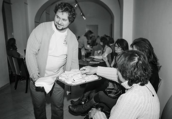 Neformálne stretnutie divákov s inscenátormi pripravovanej premiéry v divadle Reduta, Tomáš Studený (režisér Powder Her Face), foto: Marek Olbrzymek