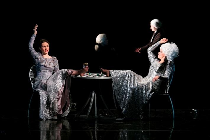 G. F. Händel: Alcina, Opera ŠD Košice, 2016, Aneta Hollá (Morgana), Lucie Kašpárková (Alcina), foto: Joseph Marčinský